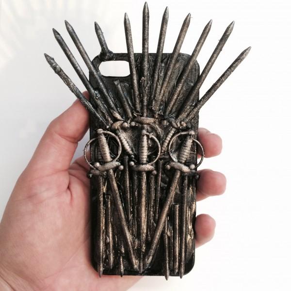 Чехол TheCommonRoom превращает iPhone в Железный Трон