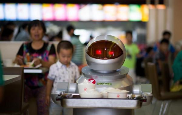 В Китае открылся ресторан роботов