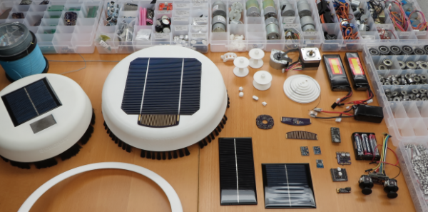 Scrobby – автономный робот-чистильщик солнечных батарей