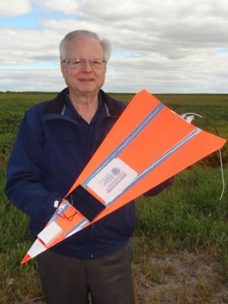 Бумажный самолетик из США поднялся на рекордную высоту