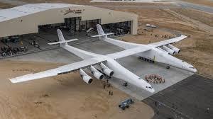 В Америке презентовали гигантский самолет для запуска ракет-носителей в космос