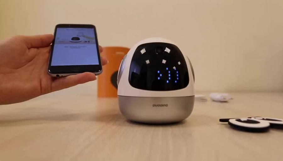 В России начали продавать первого отечественного робота-няню