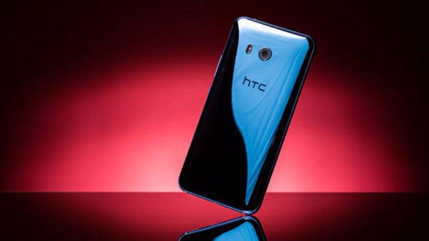 HTC U11 испробовали на прочность
