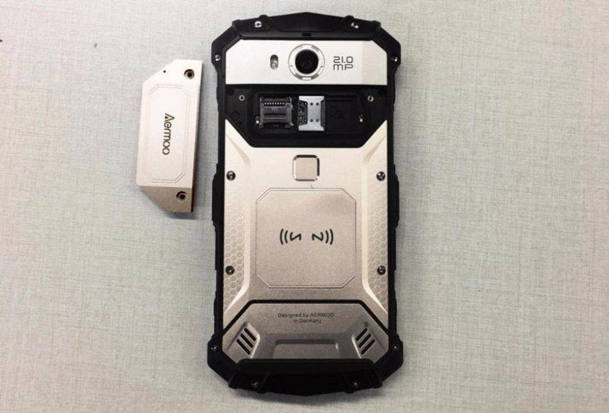 В продажу скоро поступит смартфон-трансформер Aermoo M1, который усиленно защищен