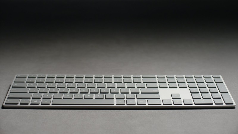 Microsoft выпускает клавиатуру со сканером отпечатка пальца
