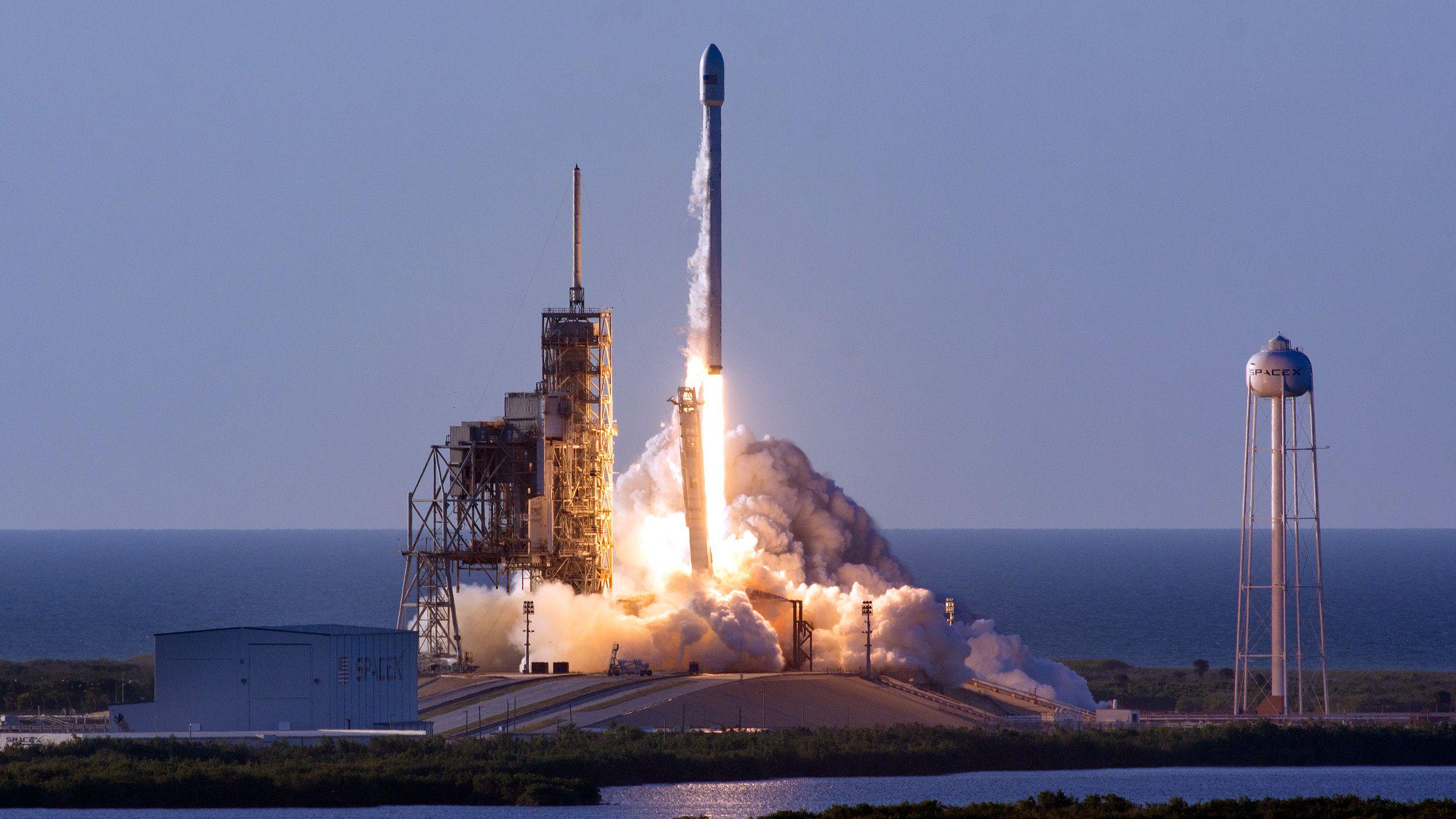 В ближайшие выходные США выпустит в космос 2 ракеты