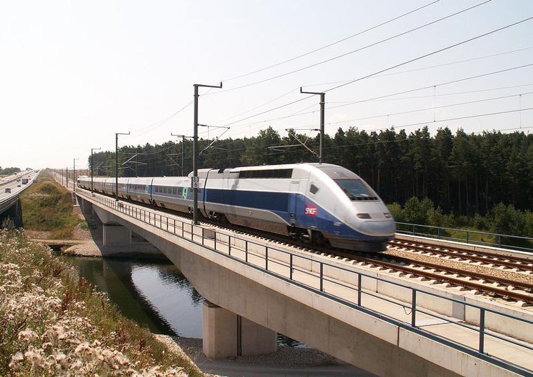 Во Франции разработали первый в мире беспилотный поезд