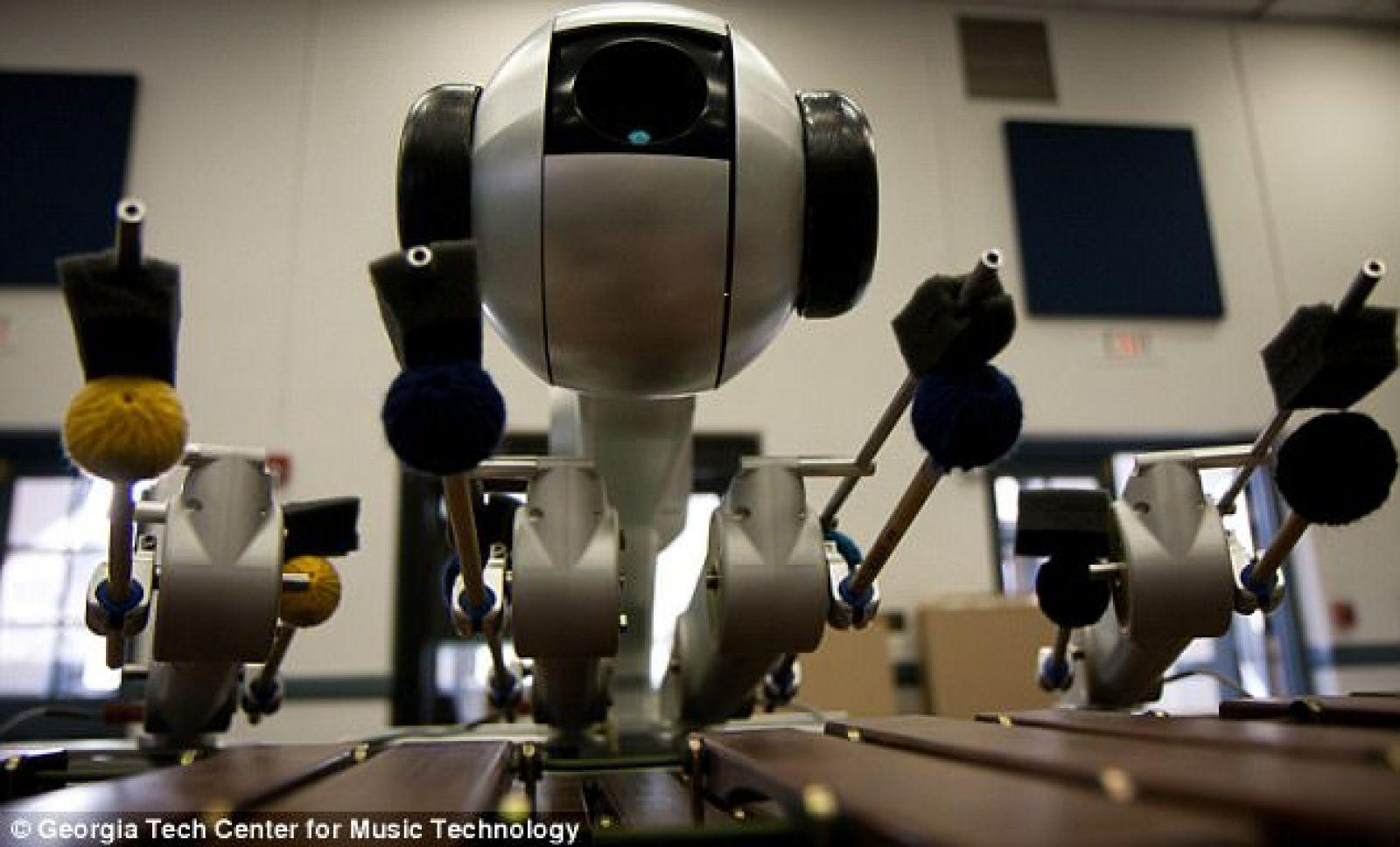 В США искусственный интеллект сочиняет музыку