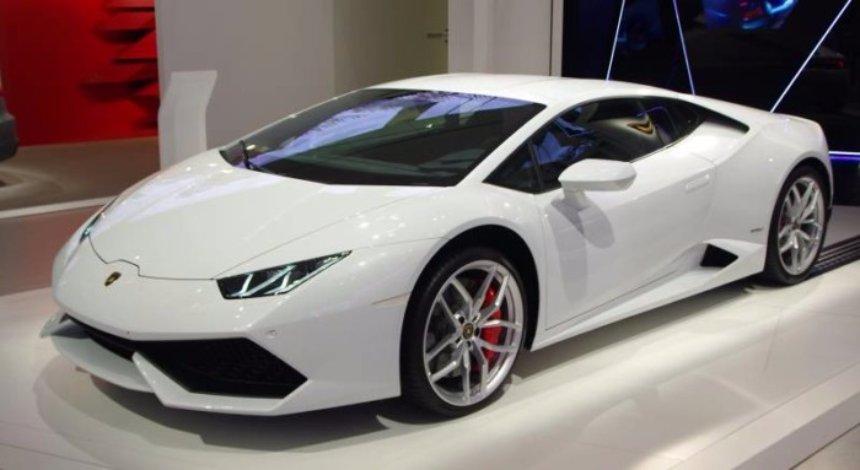 Самым быстрым такси в мире стал Lamborghini Huracan