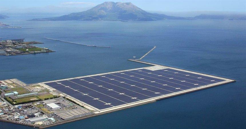 В Китае построят самую большую в мире плавающую солнечную электростанцию