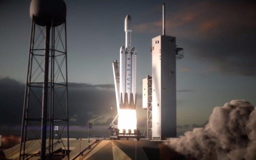 Илон Маск начал продажи билетов на Луну