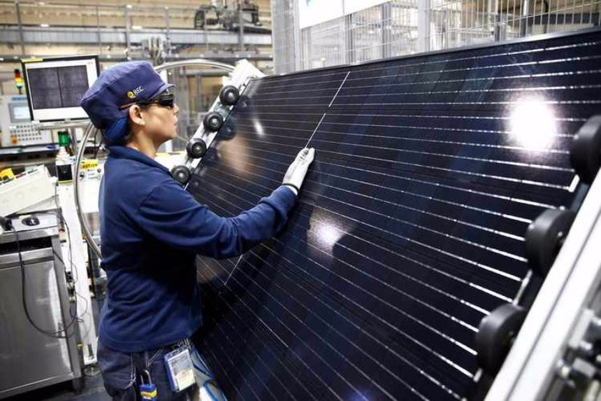 Специалисты начали работу над кроватью с климат-контролем, работающую от энергии солнечных батарей