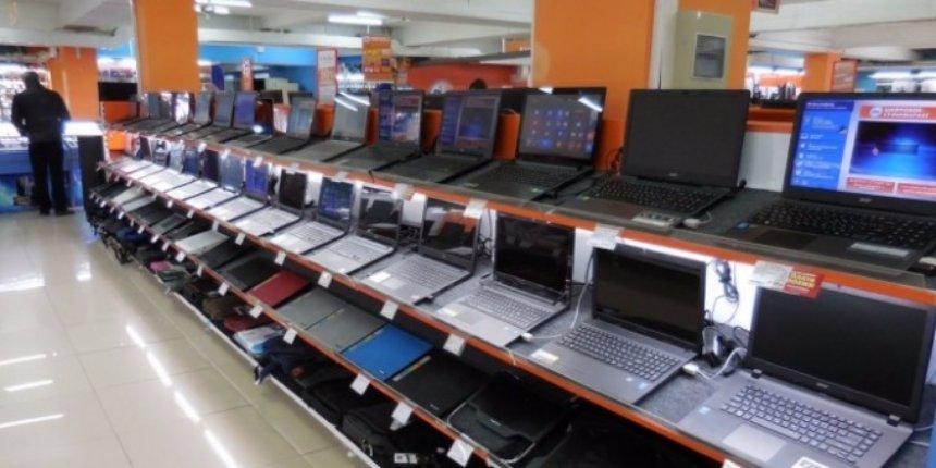 Продажи персональных компьютеров продолжают падать