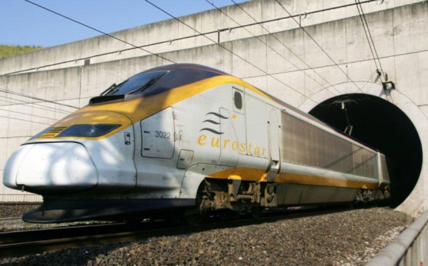 В Индии функционирует поезд, для работы которого используется солнечная энергия