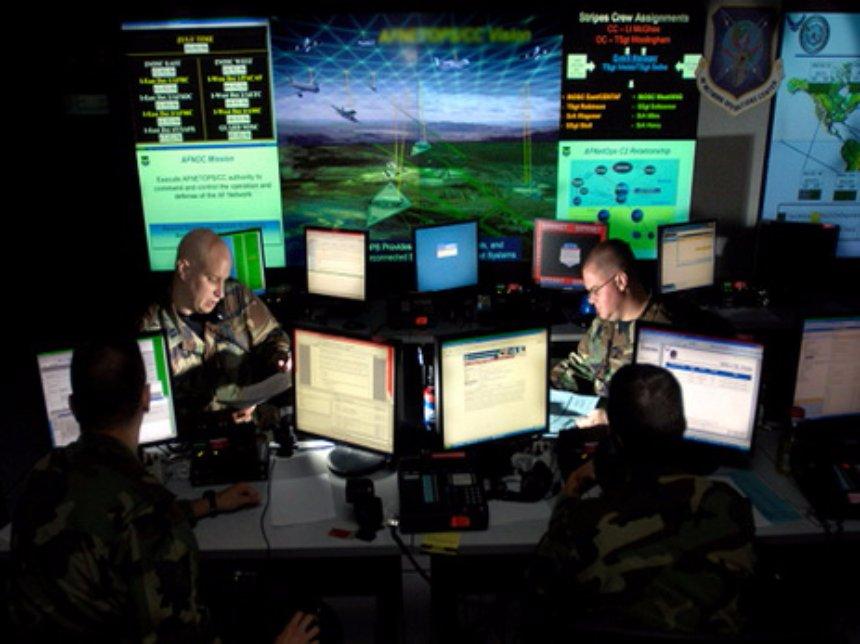 В США до сих пор нет кадров для противодействия хакерским атакам