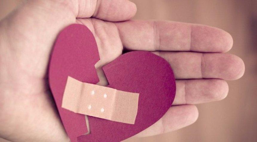 Гарвардские ученые создали уникальный материал для склеивания ран