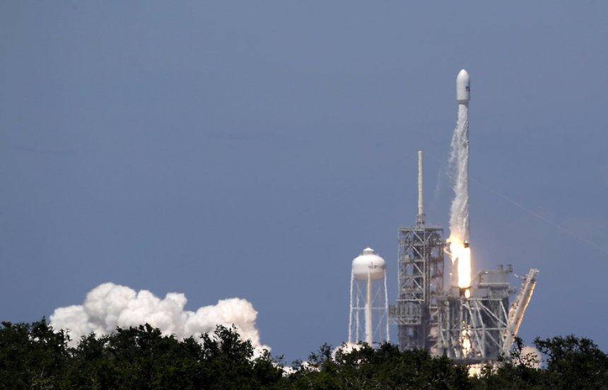 В SpaceХ таки вывели на орбиту новый спутник
