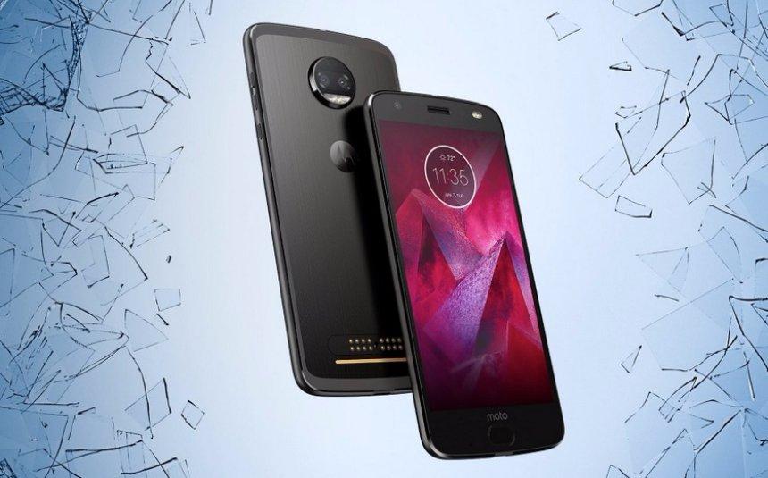 Motorola представила небьющийся смартфон