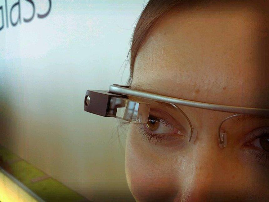 Google выпустит улучшенную версию очков Glass