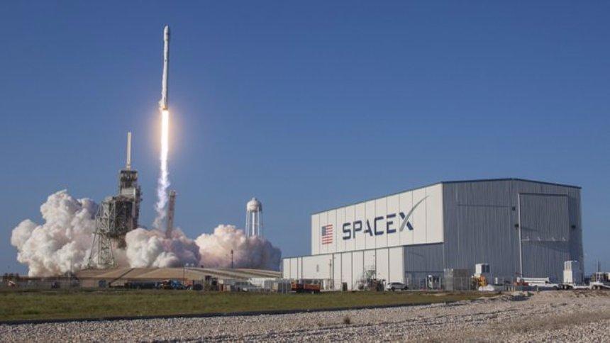Названа стоимость компании SpaceX Илона Маска