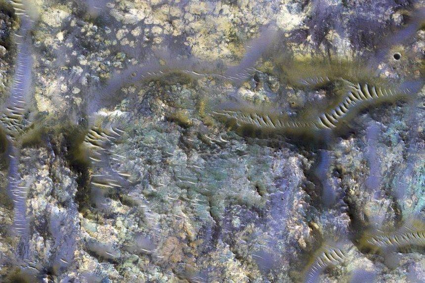 На Марсе обнаружены странные породы