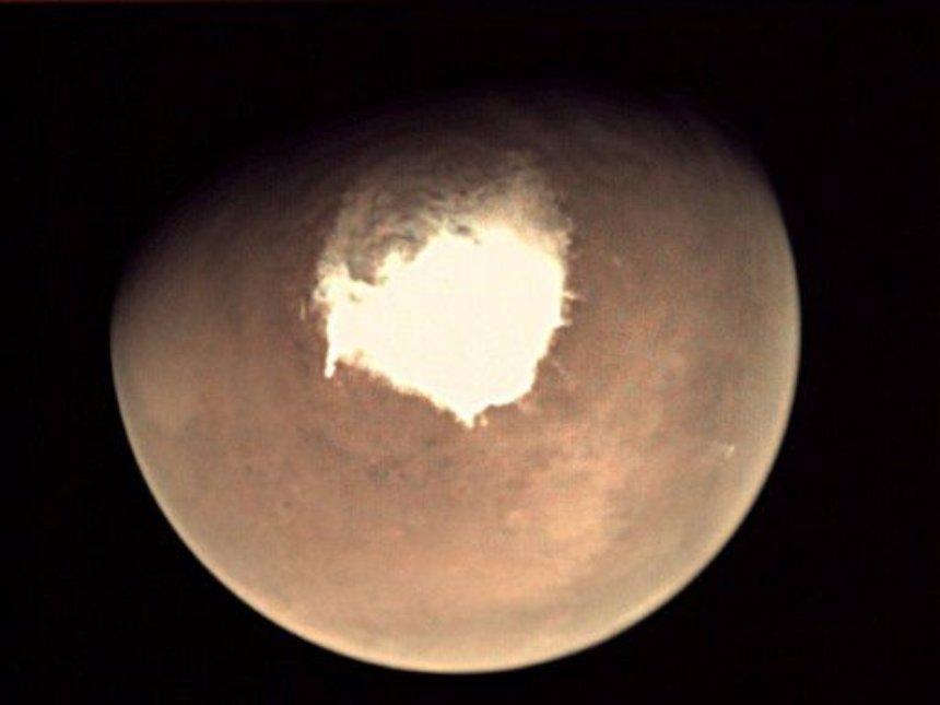 На Марсе есть снег и даже снежные бури