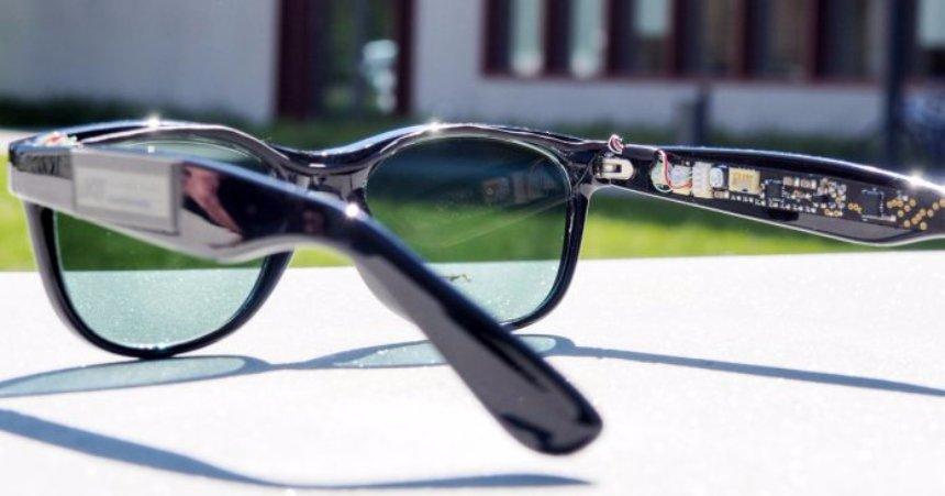 Ученые создали очки, в которых линзы были заменены солнечными батареями