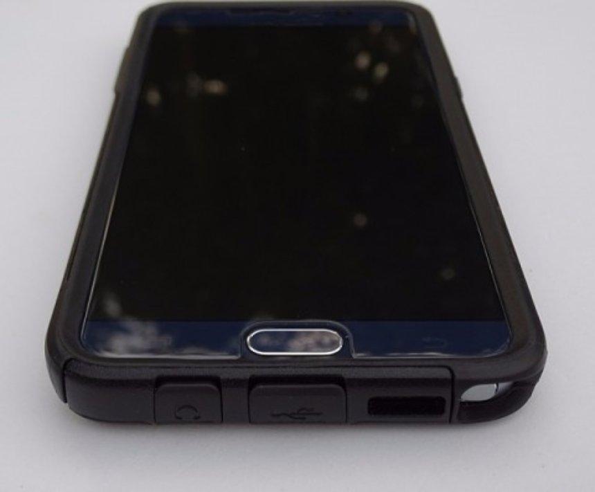 Представлен новый смартфон Moto ShatterShield с небьющимся экраном