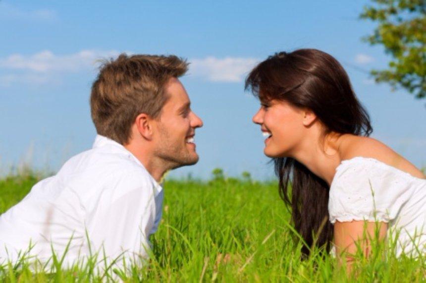 Ученые рассказали, каких мужчин считают привлекательными