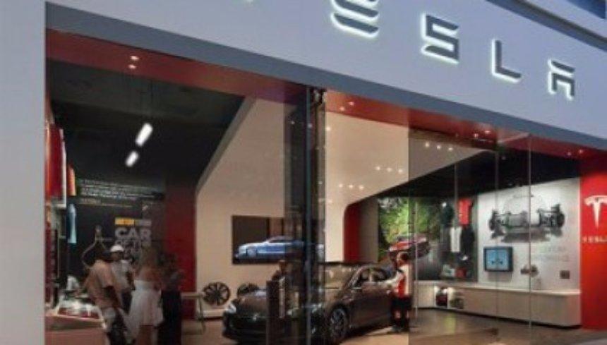 Покупатели отказываются от Tesla: компания несет убытки