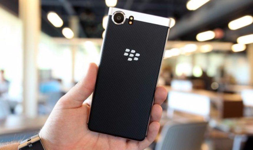 В октябре будет представлен первый смартфон BlackBerry с влагозащитой