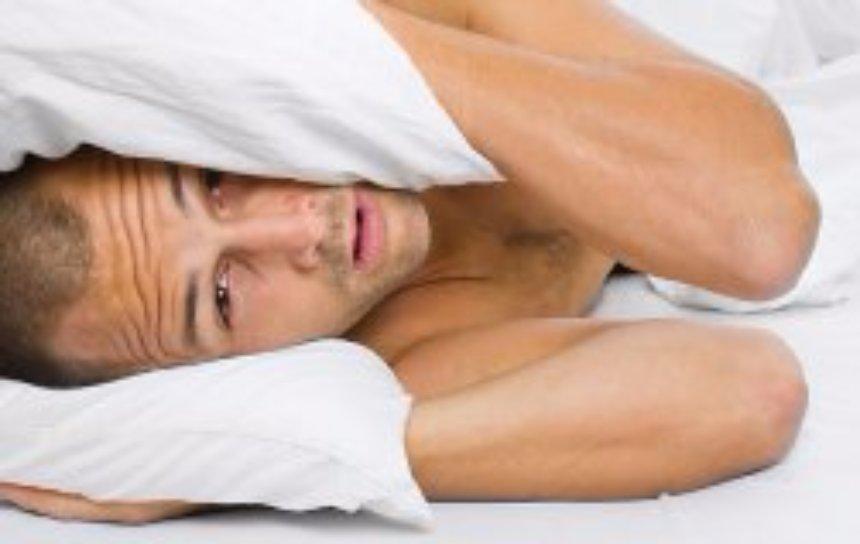 Ученые рассказали, почему так опасно спать меньше 6 часов в сутки