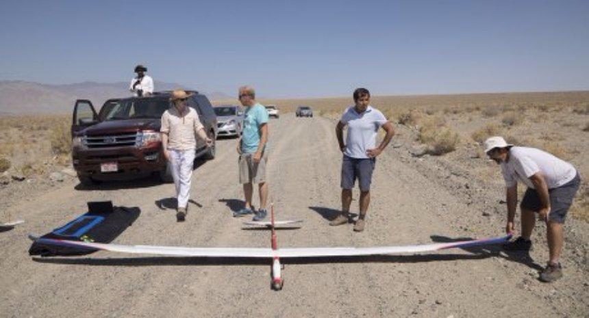 Microsoft создаст планер, который сможет летать без остановки вечно