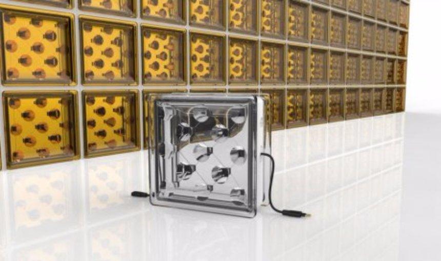 Ученые создали стеклянный дом, который может сам себя обеспечить электричеством