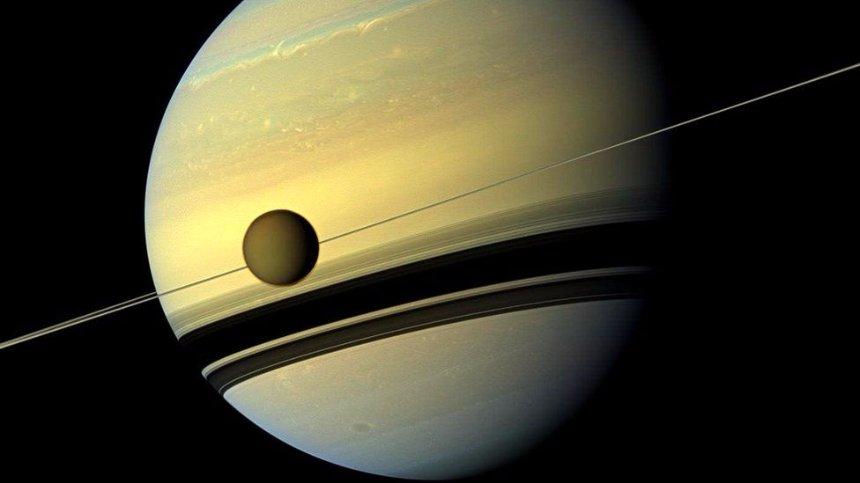 Зонд Cassini сгорел на Сатурне