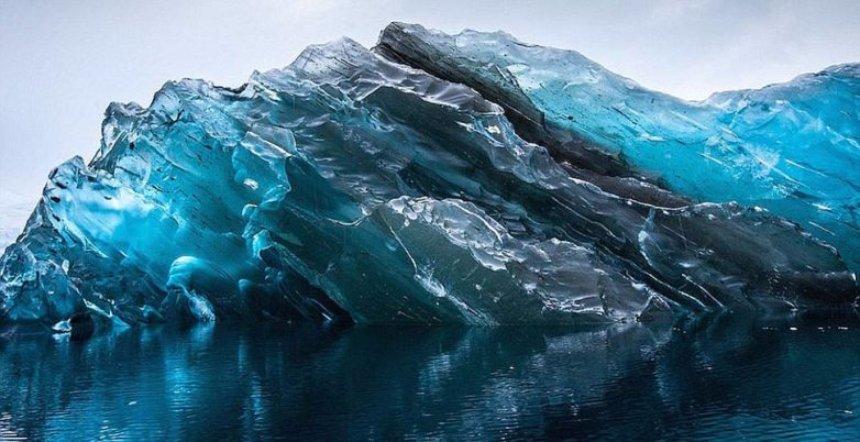В Антарктиде добыли древнейший лед