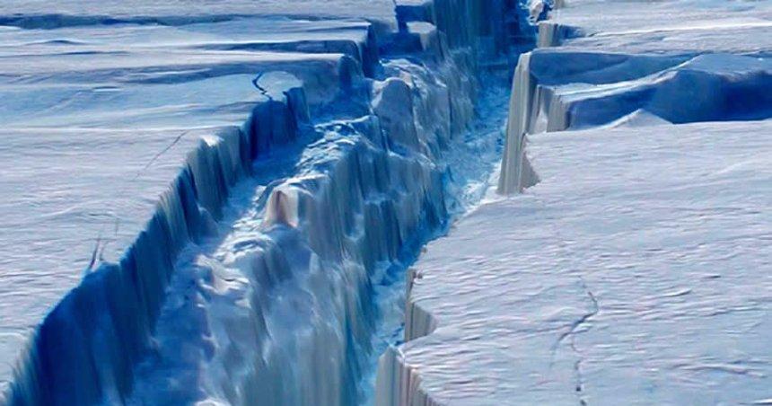 Ученые ожидают откола огромного антарктического айсберга