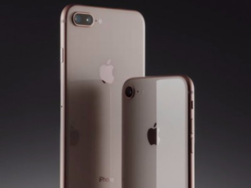 Владельцы  iPhone 8 и iPhone 8 Plus массово сообщают о проблемах