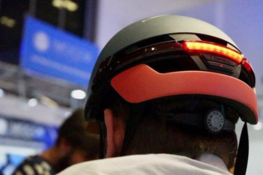 Создан умный шлем для велосипеда