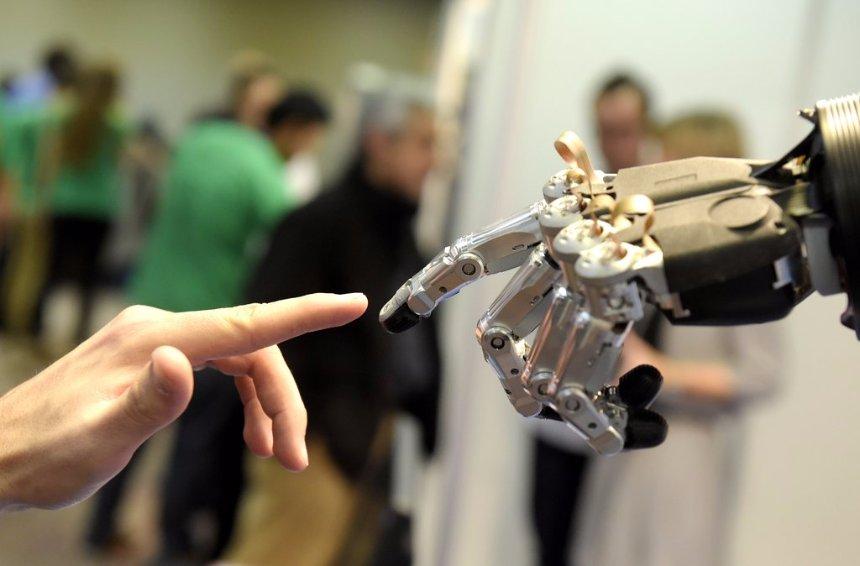Четвертая часть американских мужчин не против секса с роботом