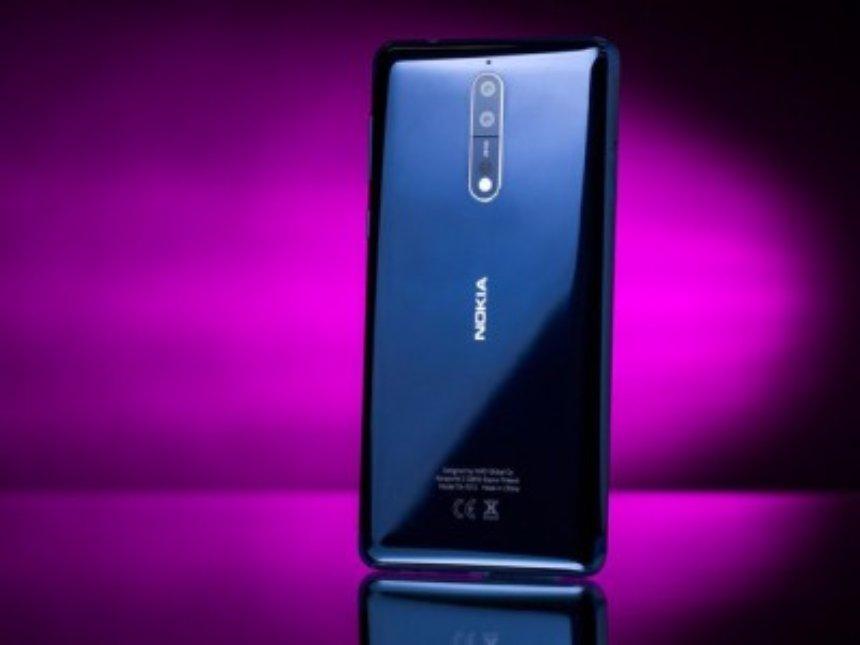Внутри Nokia 8 обнаружена интересная деталь