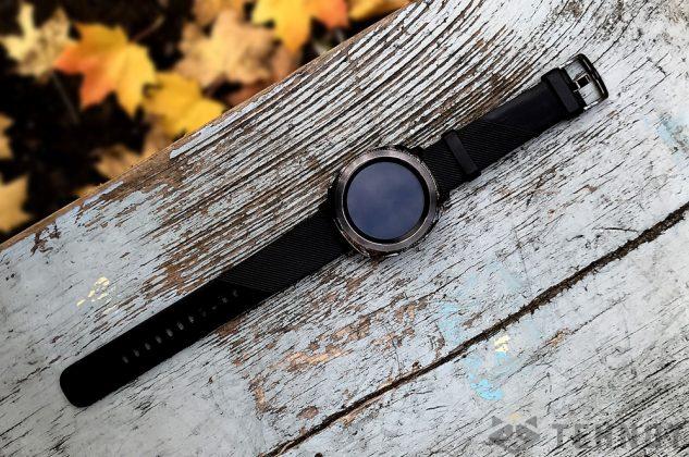 Появились все характеристики новых умных часов Samsung Gear Sport