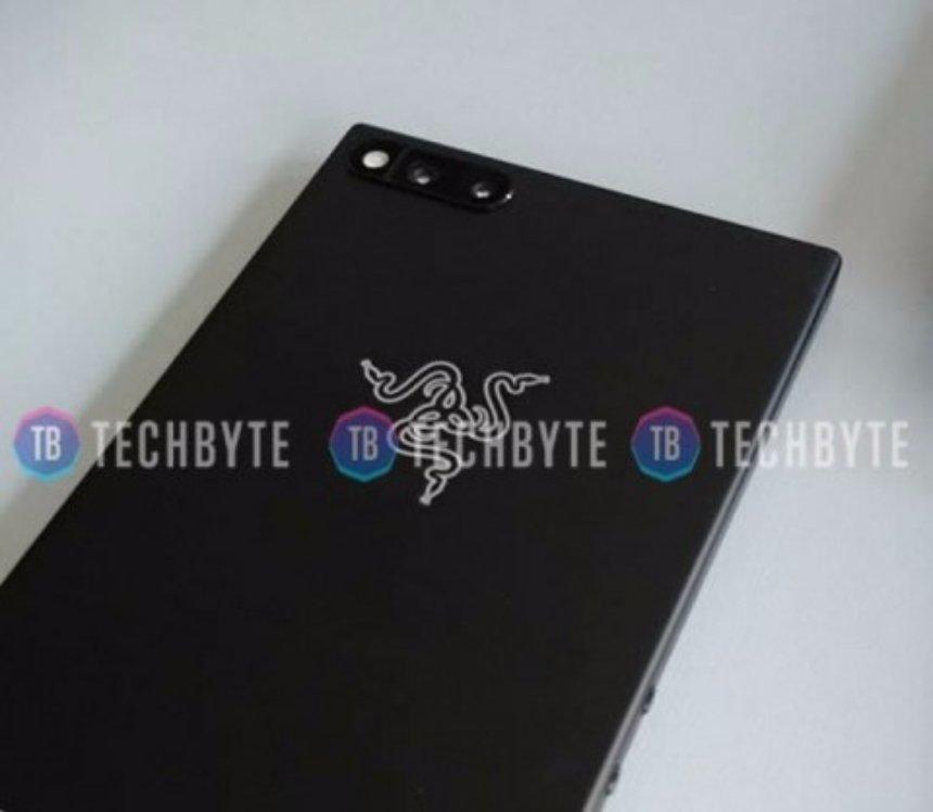 Представлен новый игровой смартфон Razer Phone