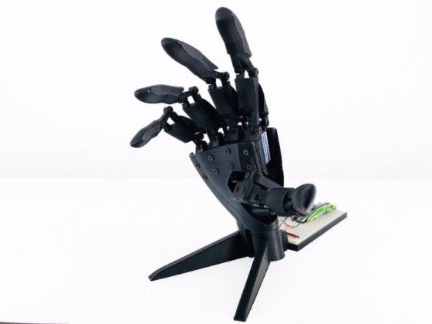 Роботизированную двойную руку уже можно приобрести