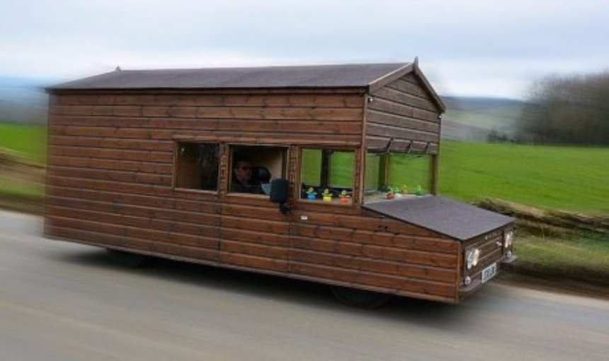 Создан дом, который может ездить со скоростью 150 километров в час