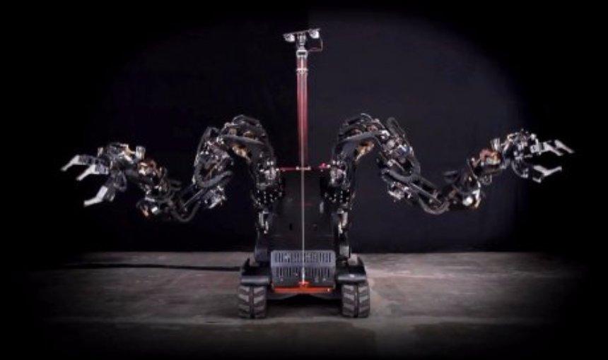 Создан робот, который может сразу поднимать полтонны