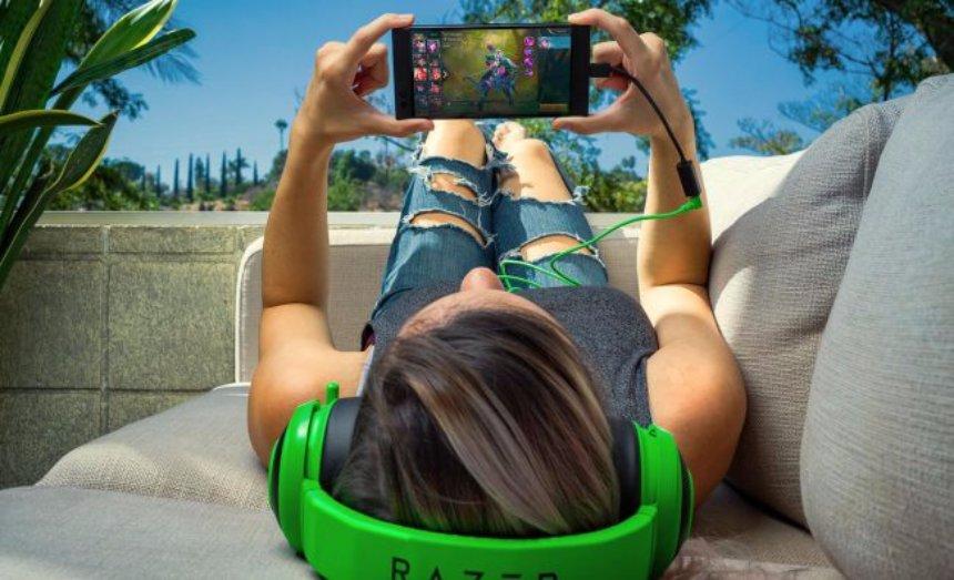 Американская компания создала смартфон специально для геймеров