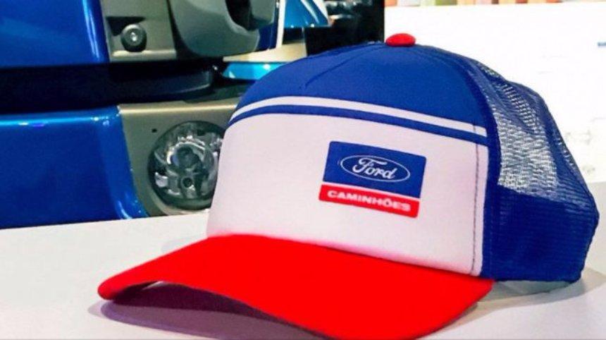 Создана кепка, которая не дает уснуть за рулем