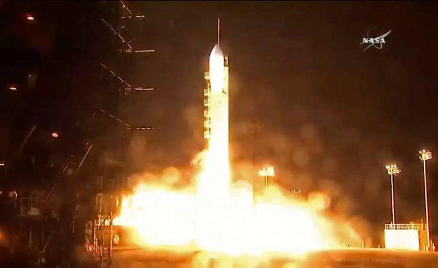 В Калифорнии запустили в космос новый погодный спутник