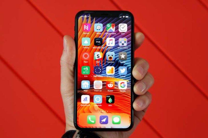Запасы  iPhone X на складах истощаются, - американские СМИ